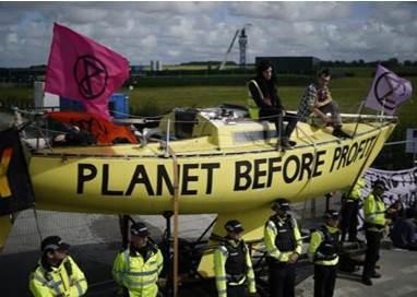 Great Britain Halts Fracking over Earthquake Concerns